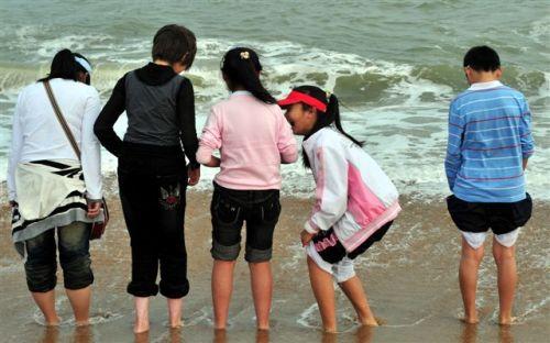 组图:大年初二在海滩上