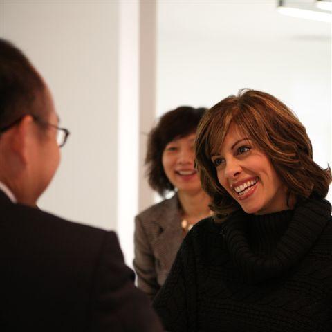 组图:张欣接受CNN著名节目Talk Asia采访