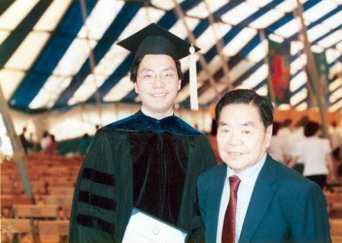 第一次中国大陆行,埋下难解的大学生情结-新书选载