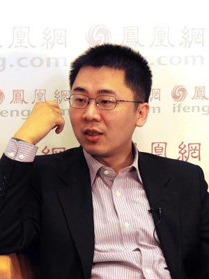 """王烁和张进在凤凰网的谈话 王烁很帅吧—而且早就有""""神童""""称号"""
