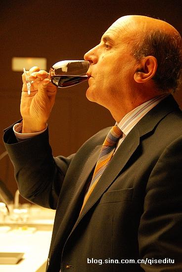 【西班牙】里奥哈,葡萄美酒要光杯