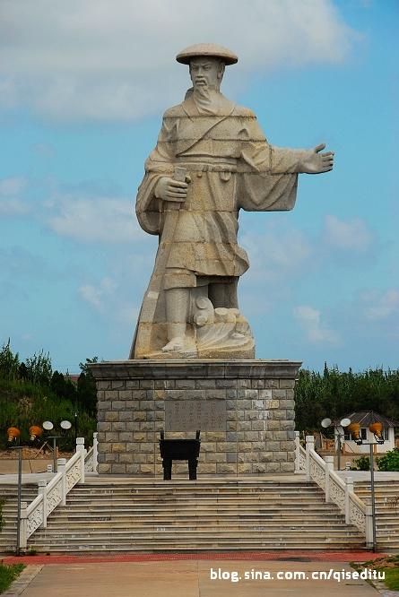 江海小城镇雕塑