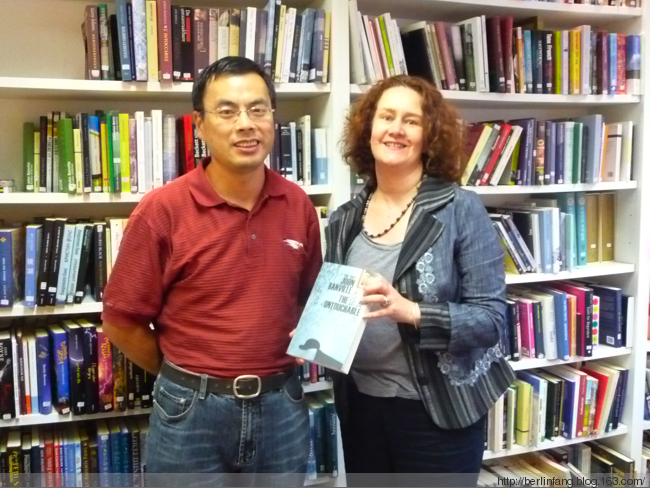 [Reprinted] Staff member translates books into Chinese (by Morgan Edwards)