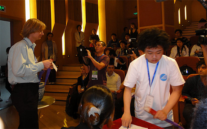 向更加国际化的目标迈进——访第五届中国国际钢琴比赛主席鲍蕙荞