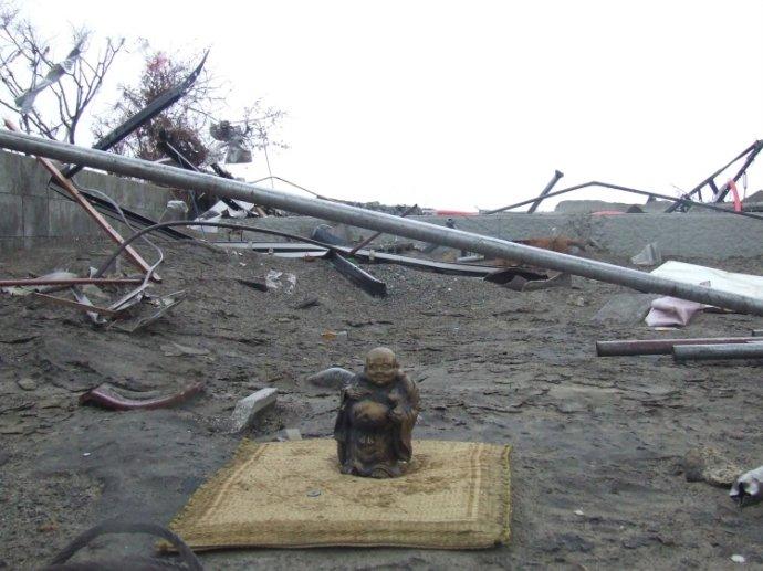 目睹日本震区惨如战争