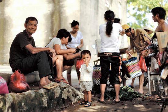 钦州犀牛脚镇炮台村的村民