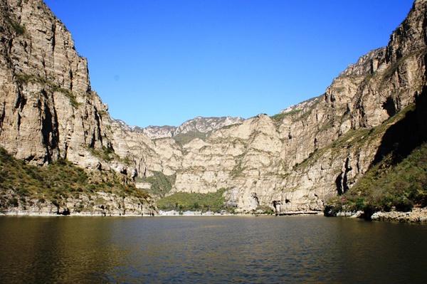 珍珠湖。对帝都周边的美景如果不抱太高期待的话,还是很容易被满足的。