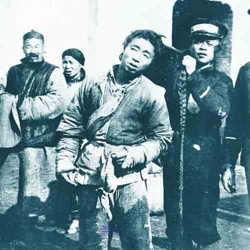 许多中国人还长着无形的辫子