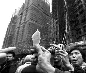 上海大火案维权14:追查保温材料,起诉静安区政府