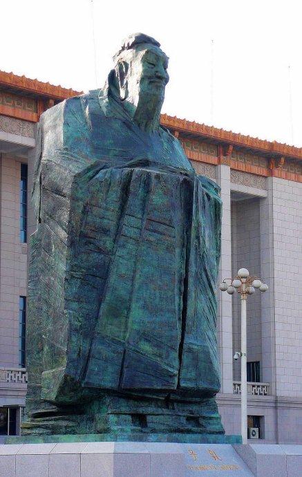 【清明献祭】孤独的孔夫子——关于广场政治的符号布局