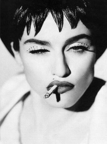 """""""荡妇""""麦当娜和香烟变法"""