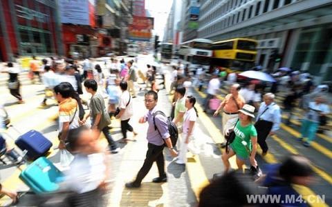 """中国城市中产:一个""""求稳怕乱""""的阶级"""