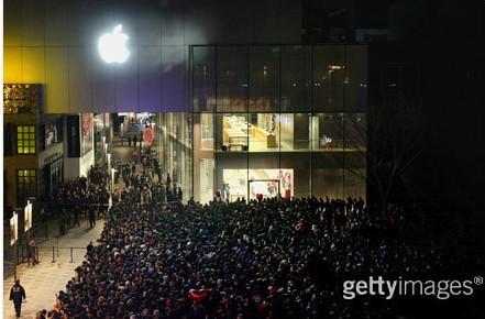 iPhone4S再掀热潮 G点定位力逼传统零售商