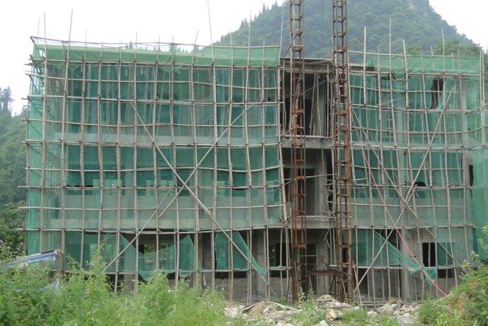 援建的贵州等堆华中科技大学校友希望小学建设进展图片(7月17日)