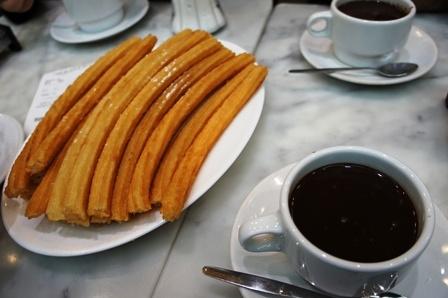 马德里最好吃的一家热巧克力+churro