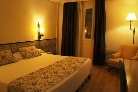 我在Cordoba的房间!酒店的名字叫Hesperia,罗马帝国对西班牙行省的称呼。