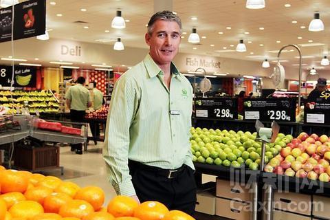 沃尔玛超市中国区总裁高福澜单膝下跪?