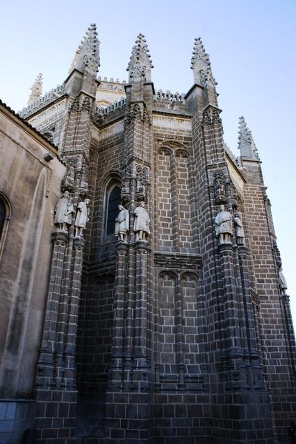 圣胡安天主教双王修道院。费尔南多和伊莎贝尔这俩土鳖一路坑我啊。。