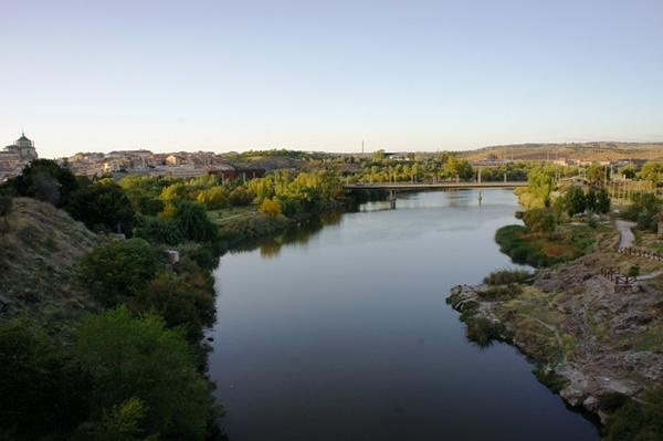 O Tejo é mais belo que o rio que corre pela minha aldeia