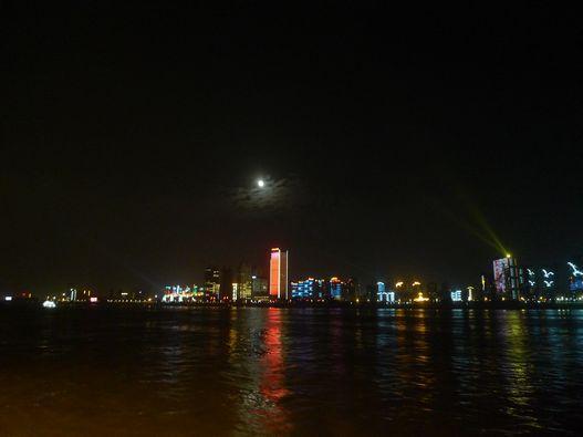 请分享本人家乡省江城之夜大美神美