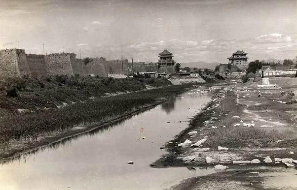 北京古城墙是怎么被拆除的