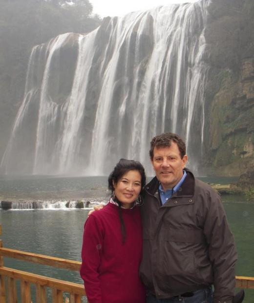 中国女婿说中国互联网能卖枪支毒品