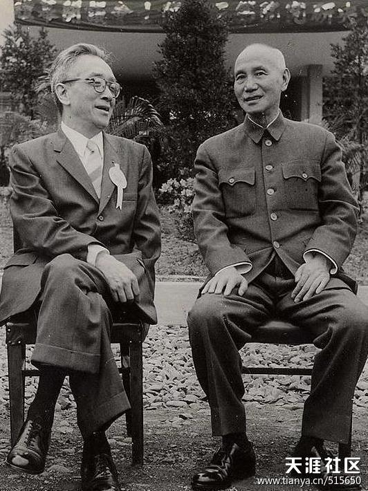 从胡适与蒋介石的一张合影说起