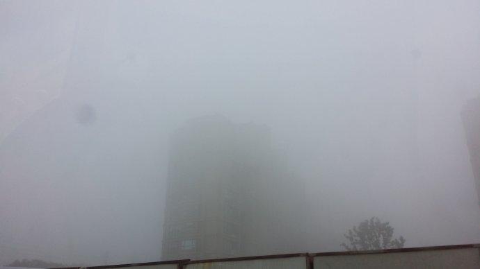 大雾笼罩下的南京之旅
