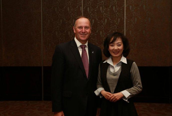 与新西兰总理交流