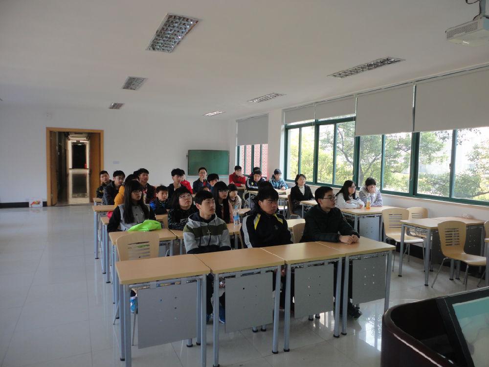 同济中学学生三度参观我实验室