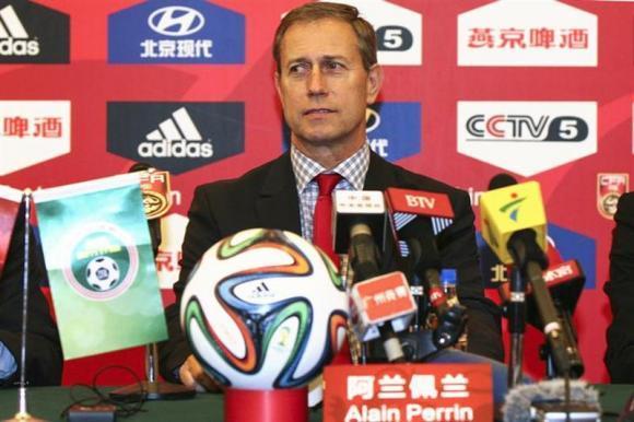 中国男足需要努力才对得起球迷