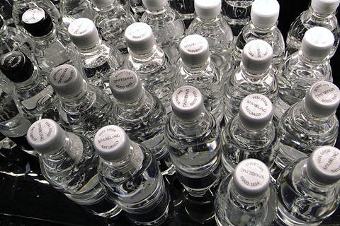 中国瓶装水产业引发新一轮健康危机?