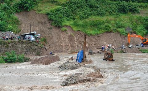 三峡库区水电站被毁只是冰山一角