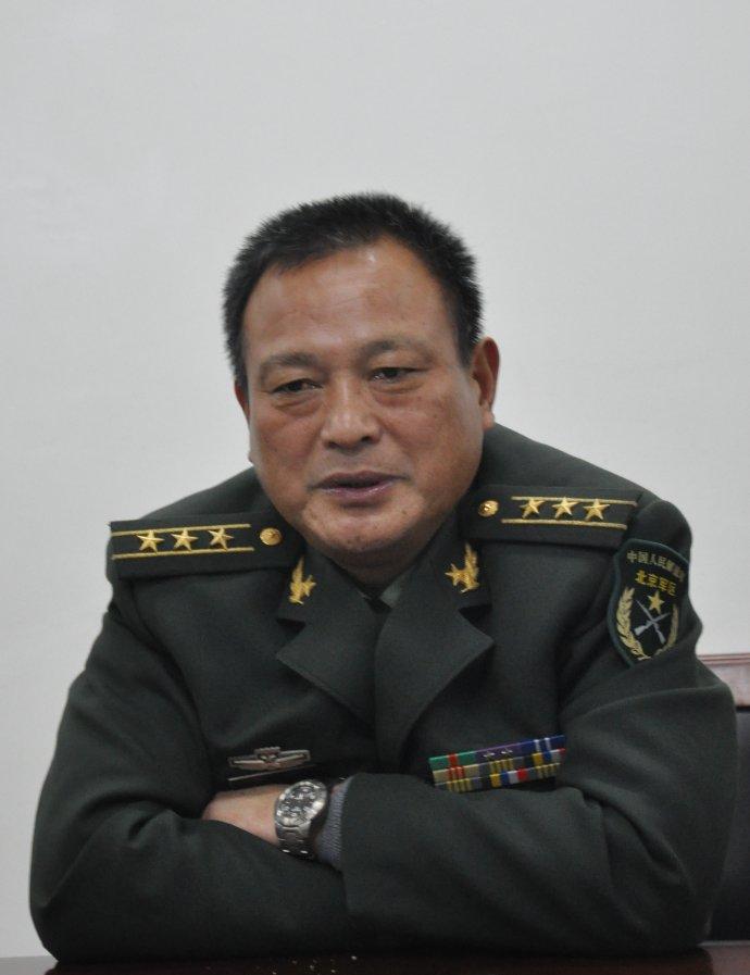 春节,向可敬的军人敬礼!