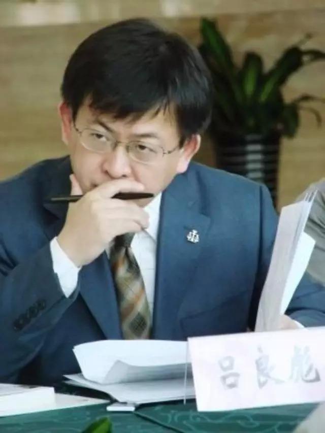 """【法制日报】律师行业发展需要""""有尊严的律师营销"""""""