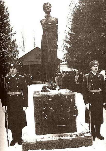 苏联女英雄卓娅之死(下篇,未删节版)