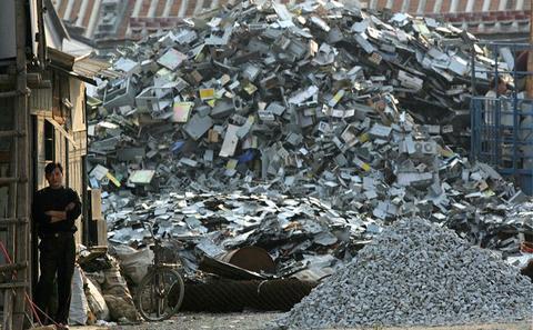 中国:小作坊成处理电子垃圾的绊脚石