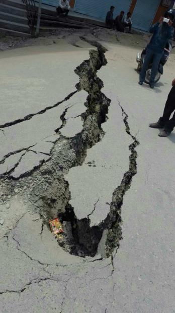震后72小时,图片直击尼泊尔 | 复见现场