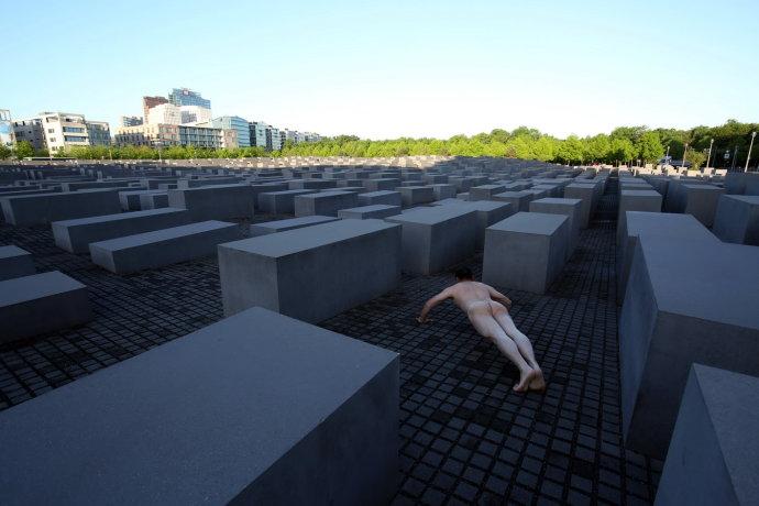 失去了遗址与墓园凭什么铭记和缅怀