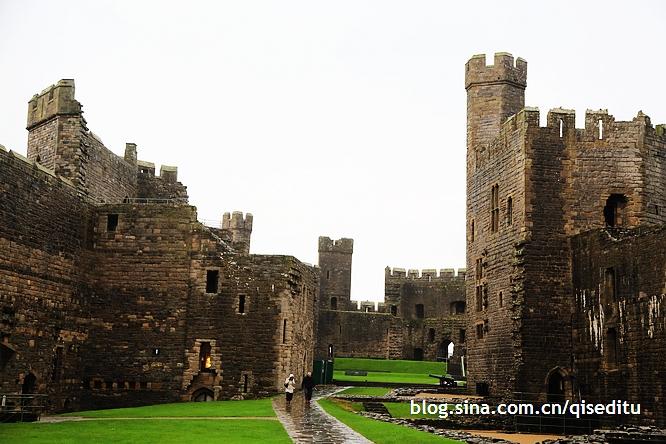 其实城堡是威尔士最经典的风景线之一,城堡密度之高,全世界都罕见