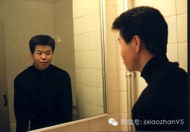 从库克出柜,看中国式左手的爱情