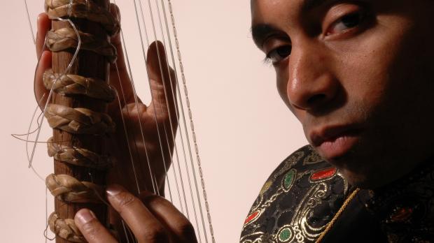 他创造了第三种音乐:英国古典x非洲本土 | 非洲肖像