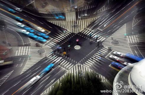 站在十字路口的中国电视