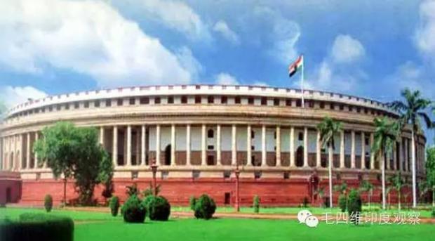 印度在独立日反思民主制度