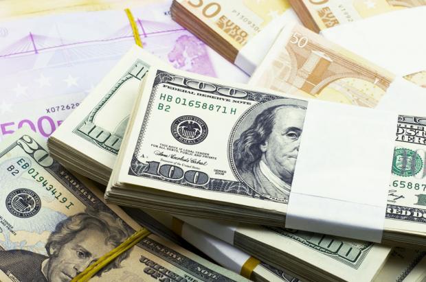 现金二十五年来首次跑赢股票债券