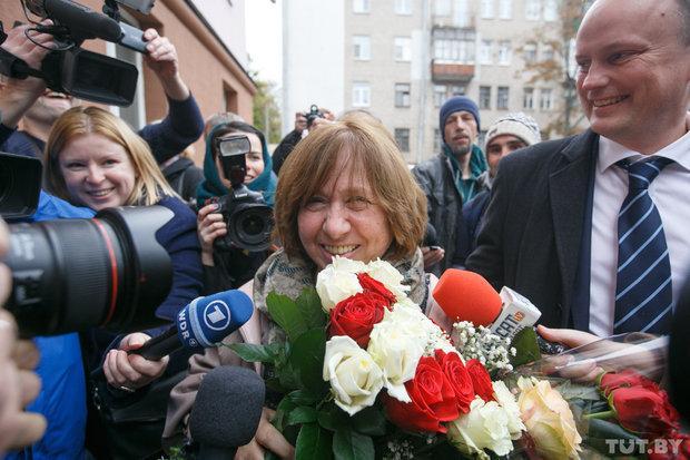 阿列克谢耶维奇:我的国家死于谎言