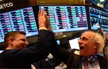 央行刺激盈利强劲  美股连续第四周上扬