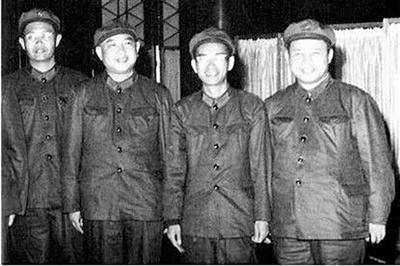毛泽东对戚本禹为什么从表扬到抛弃?