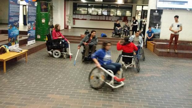 法美舌战残障人士就业难:权利导向还是义务导向?