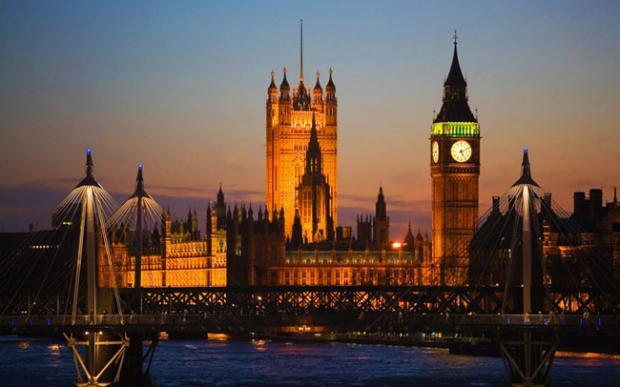 """英国银行家协会:""""紧急行动""""把银行留在伦敦"""